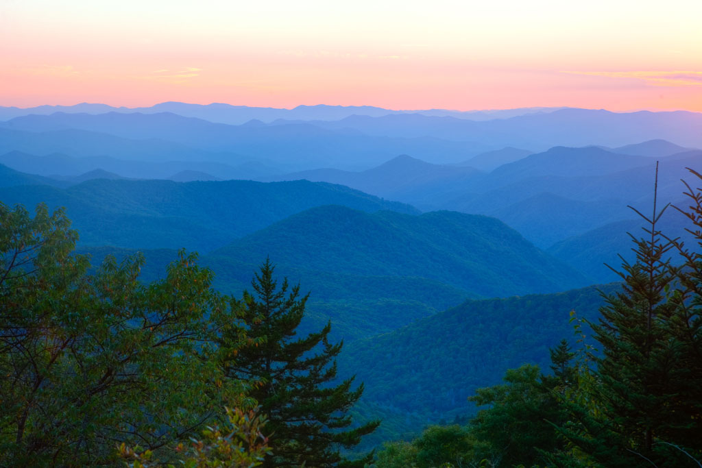 Skyline Drive Country View Lodging